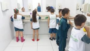 2.º ano - higienizando os dentes (1)