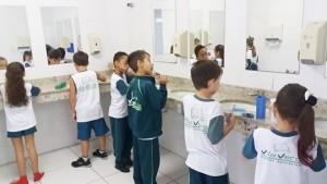 2.º ano - higienizando os dentes (3)